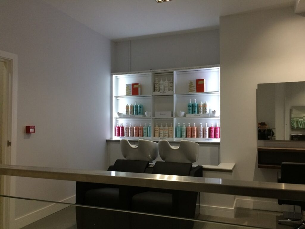Hairdressers shop fitting